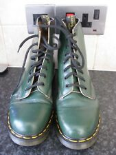 DR MARTENS AIR WAIR 8 HOLE BOOTS SIZE 7 GREEN