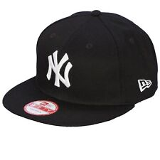 New Era and MLB League Essential 9Fifty Snapback Flatbill Cap ~ New York Yankees