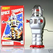 TR2007 Large Space Trooper Robot Man Vintage Repro NEW windup toy COLLECTIBLE