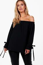 Boohoo Plus Lauren Top In Crepe Con Scollo A Barca E Maniche Allacciate per