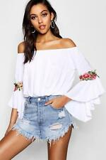 Boohoo Charlie Floral Crochet Off The Shoulder Top per Donna