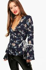 Boohoo Petite Freya Woven Floral Wrap Front Top per Donna