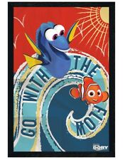 Finding Dory in schwarzes Holz eingerahmtes Go With The Flow Poster 61 x 91,5 cm