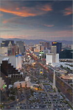 Poster / Leinwandbild Elevated view of the hotels and casinos ... - G. Hellier