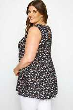 Yours Clothing Women's Plus Size Black Ditsy Floral Smock Top