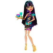 Mattel Assortimento BJM17 Monster High Monsterschüler-café Bambola a scelta