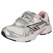 CHILDS HI TEC WHITE/SILVER/CANDY HOOK & LOOP TRAINER STYLE - R157 JRG EZ