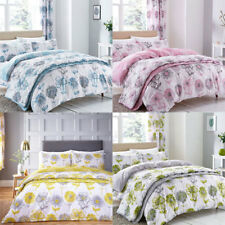 Catherine Lansfield Banbury Floral Reversible Quilted Bedspread, 220 x 230 Cm