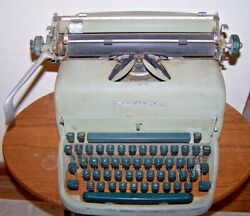 Vintage Remington Typewriter - Needs Ribbon And Cleaning - Made In U.s.a