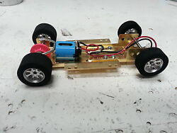 Hrch07 1/24 Scale Adjustable Chassis W/26000 Rpm Motor And Nascar Foam Wheels