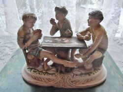 capodimonte figure 3 boys playing cards