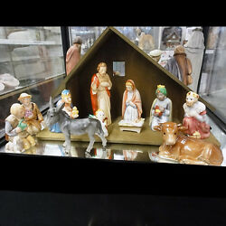 Goebel Creche 11 Figurines And Wooden Creche Made Germany New Never Used Or Sold