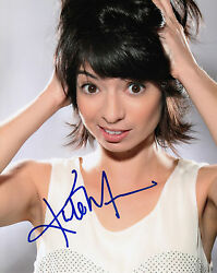 Kate Micucci Authentic Signed Big Bang Theory 10x8 Photo Aftal And Uacc [14120]