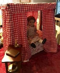 American Girl Doll Felicity With 4-poster Bed And Desk
