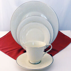 Jennifer By Royal Doulton 5 Piece Place Setting New Never Used Made In England