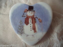 Beautiful Vintage China Ceramic Porcelain Heart Brooch Pin Old Christmas Snowman