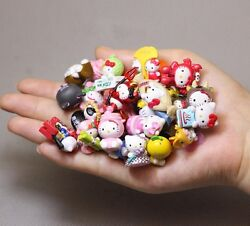 40pc Random mini Not repeat Hello kitty Action figure Collection toys Cakes Top