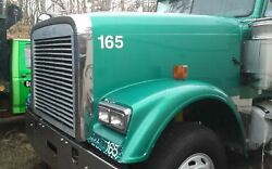 2006 Freightliner Fld132 Xl Classic 71 Inch Nose Hood Front End