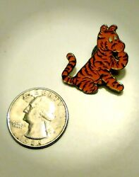 Rare 1990and039s Classic Winnie The Pooh Pin
