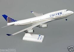Skymarks Skr614 United Airlines Boeing 747-400 1/200 Scale Plane W/stand + Gears