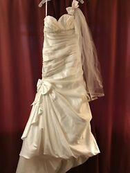 Never Worn Ivory Wedding Dress. Size 10. Viel And Hair Clip Included