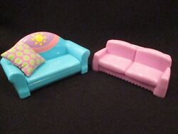 dollhouse Dora furniture. Couch that pulls out to bed and small love seat