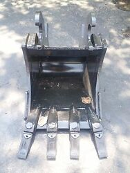 New 16 Excavator Bucket For A John Deere 110tlb Zts With Zts Coupler