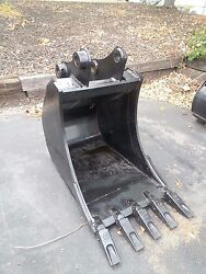 New 24 Excavator Bucket For A Komatsu Pc78 With Coupler Pins