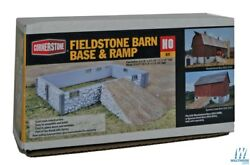 Ho Scale Walthers 933-3331 Fieldstone Barn Base And Ramp