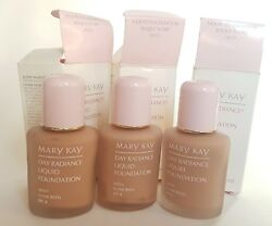 3 bottle Mary Kay Day Radiance Liquid Foundation BISQUE IVORY 0633 New OLD STOCK