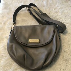 Marc by Marc Jacobs Q NATASHA Leather Crossbody Bag Taupe Excellent Condiiton