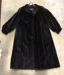 Natural Ranch Female Mink Coat W/wing Collar And Band Cuffs