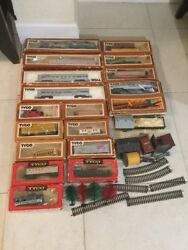 Vintage Tyco Ho Scale Electric Train Set Cars W/box And Accesories Lot