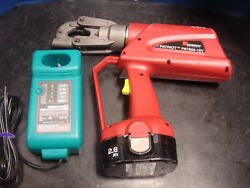 Burndy Patriot Pat600 6 Ton Portable Hydraulic Crimper Set Battery And Charger