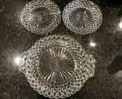 Vtg Platter/ Plate/cake Clear Glass Handles Diamond Pattern 10'' And 2 Plates