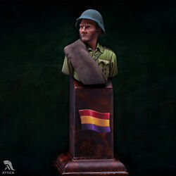 Republican Soldier At Spanish Civil War Painted Toy Bust Pre-sale   Museum