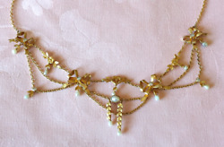 Antique 18 K Yellow Gold Diamond And Pearl Festoon Necklace