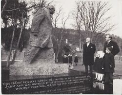 Vintage Press Photograph - Winston Churchill - Unveiled Statue - Dated 1972