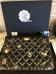 17a New Amazing Black Lucky Charms O-case Gold Hardware Box Camellia