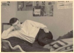 HANDSOME YOUNG COLLEGE MAN RECLINED ON DORM BED VTG GAY INT PHOTO 164