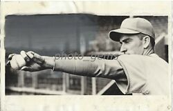1936 Carl Hubbell Demonstrating Screw Ball Original News Service Photo