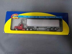 Athearn 91922 Graves Truck Lines Kenworth With 40' Trailer, 1/87th Scale.