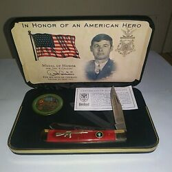 United Cutlery S.o.a. Medal Of Honor Cavaiani Trapper Pocket Knife And Coin Set.
