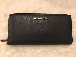 Michael Kors Clutch Wallet Barely Used; No Flaws. $58.00