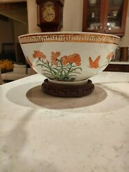 Mottahedeh Large Bowl With Wooden Base Vintage/antique Made In Hong Kong
