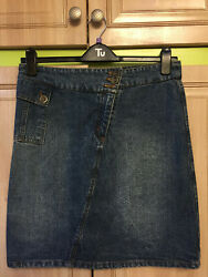 REFEER 💖 very pretty size 12 blue jeans mini skirt excellent condition.