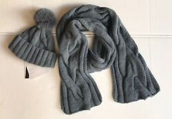 NWT LORO PIANA Thick Knit Baby Cashmere And Fox Fur Beanie and Scarf Set. $1550