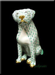 Herend Labrador Sitting 15567 Green Fishnet - Domestic Collection - 1st Edition