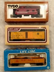 Vintage Train Tyco And Life Like Trains In Original Boxes