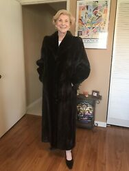 Gorgeous Real Mink Fur Coat Black Full Lenght. Size 10. EXCELLENT CONDITION.
